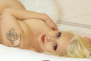 roxy-gold-nude