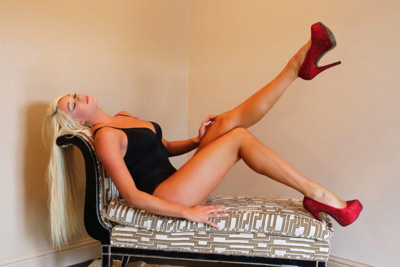 Sexy-Hot-Long-Blonde-Hair-Girl
