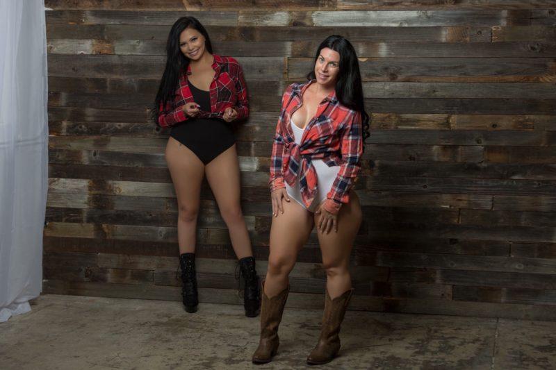 Two girls full sex